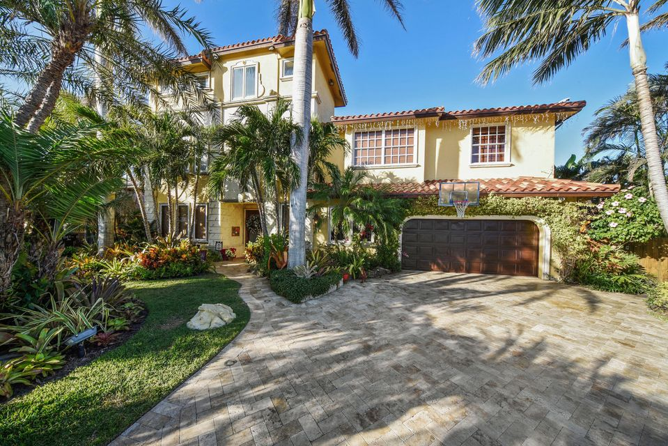 Single Family Home for Rent at 951 Evergreen Drive 951 Evergreen Drive Delray Beach, Florida 33483 United States