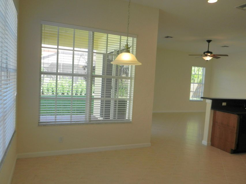 Additional photo for property listing at 105 Via Catalunha 105 Via Catalunha Jupiter, Florida 33458 Estados Unidos