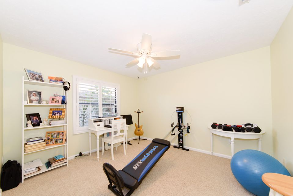 693 Blueberry Drive Wellington, FL 33414 photo 20