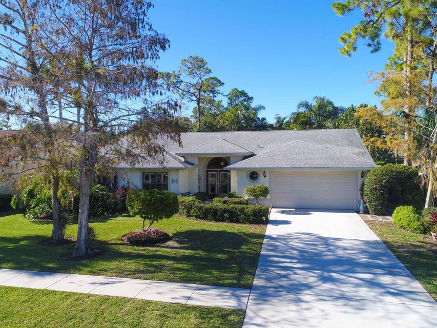 693 Blueberry Drive Wellington, FL 33414 photo 28