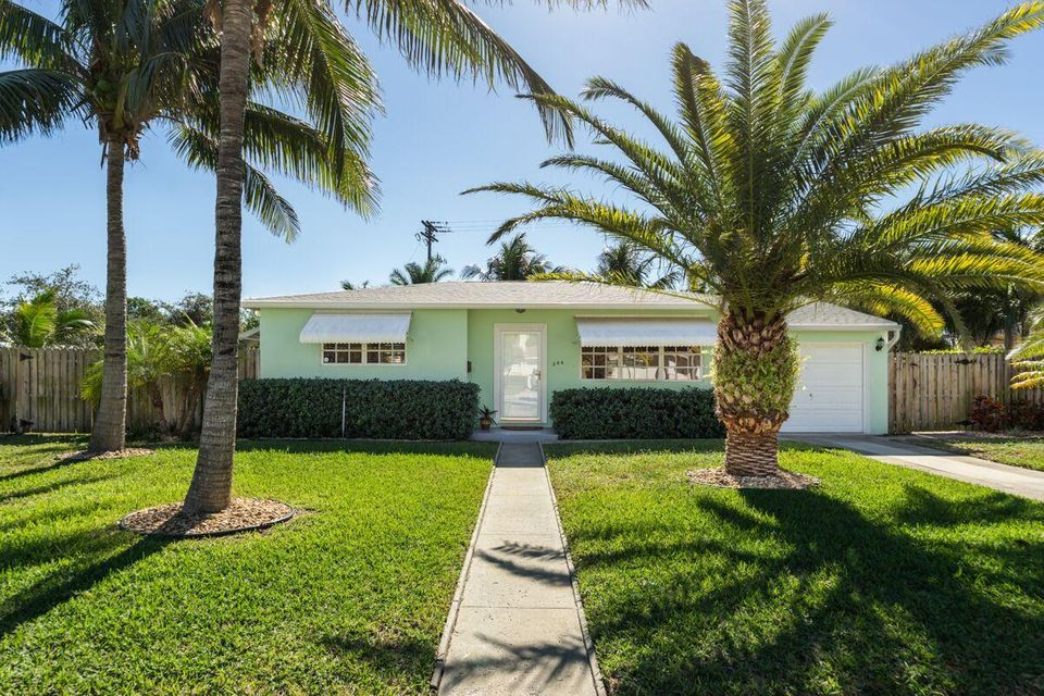 Home for sale in HOMEWOOD 2ND ADD West Palm Beach Florida