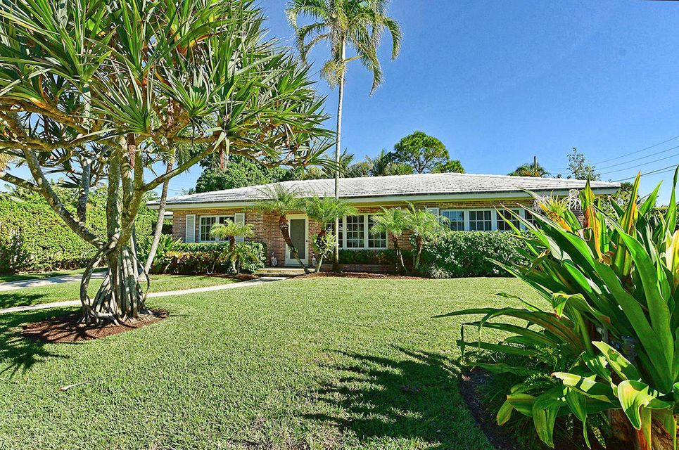 1465 Laurie Lane , Palm Beach FL 33480 is listed for sale as MLS Listing RX-10389199 21 photos