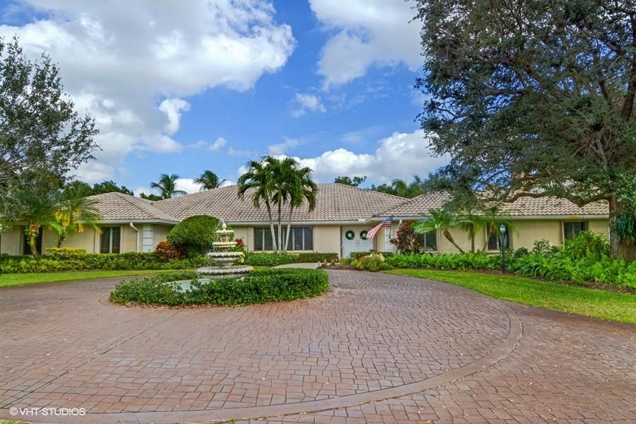 Single Family Home for Sale at 10300 Prestwick Road 10300 Prestwick Road Boynton Beach, Florida 33436 United States