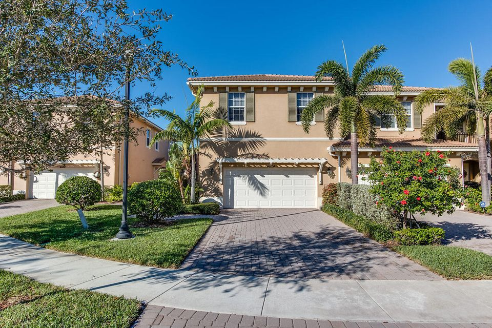 4624 Cadiz Circle , Palm Beach Gardens FL 33418 is listed for sale as MLS Listing RX-10389270 39 photos