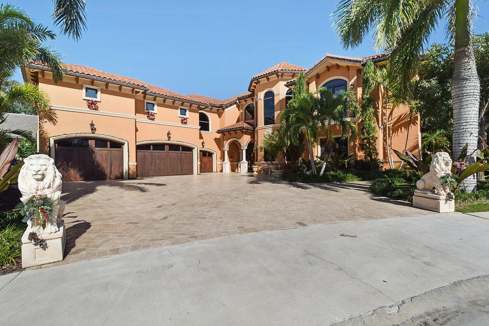 2317 Palm Harbor Drive