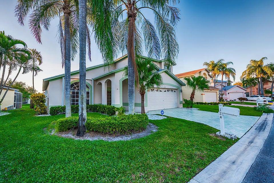 124 Hammocks Court Greenacres, FL 33413 photo 3