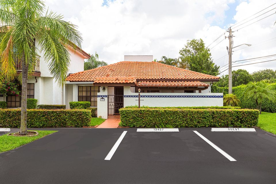 13457 Fountain View Boulevard - Wellington, Florida