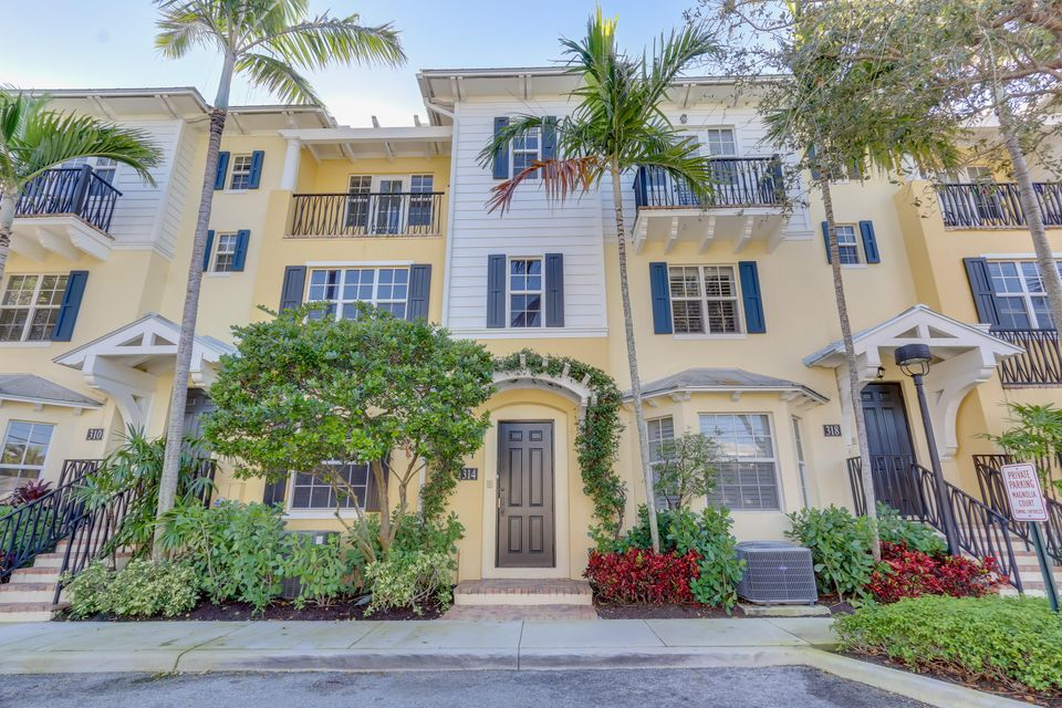 314 Tuxedo Lane  West Palm Beach, FL 33401