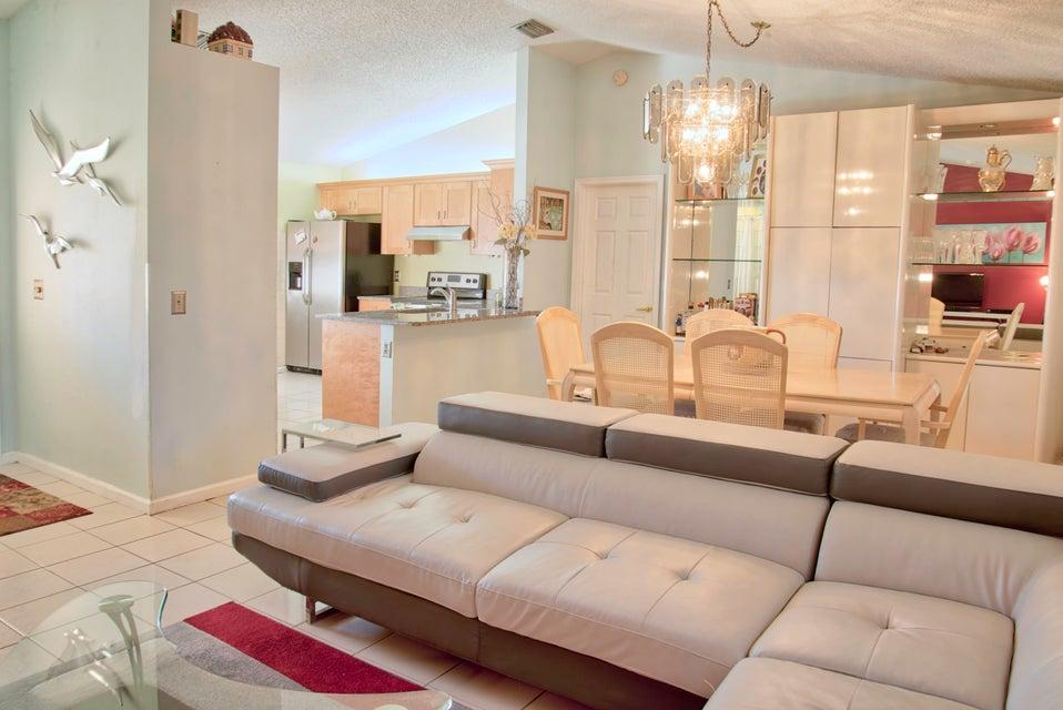 5017 El Claro Circle West Palm Beach, FL 33415 photo 4