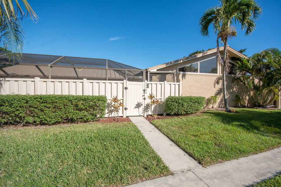 5665 Golden Eagle Circle 5665 , Palm Beach Gardens FL 33418 is listed for sale as MLS Listing RX-10389662 31 photos