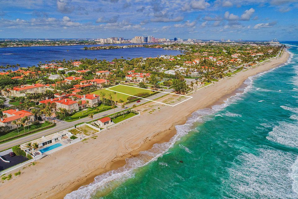 910 S Ocean Boulevard , Palm Beach FL 33480 is listed for sale as MLS Listing RX-10386224 photo #3