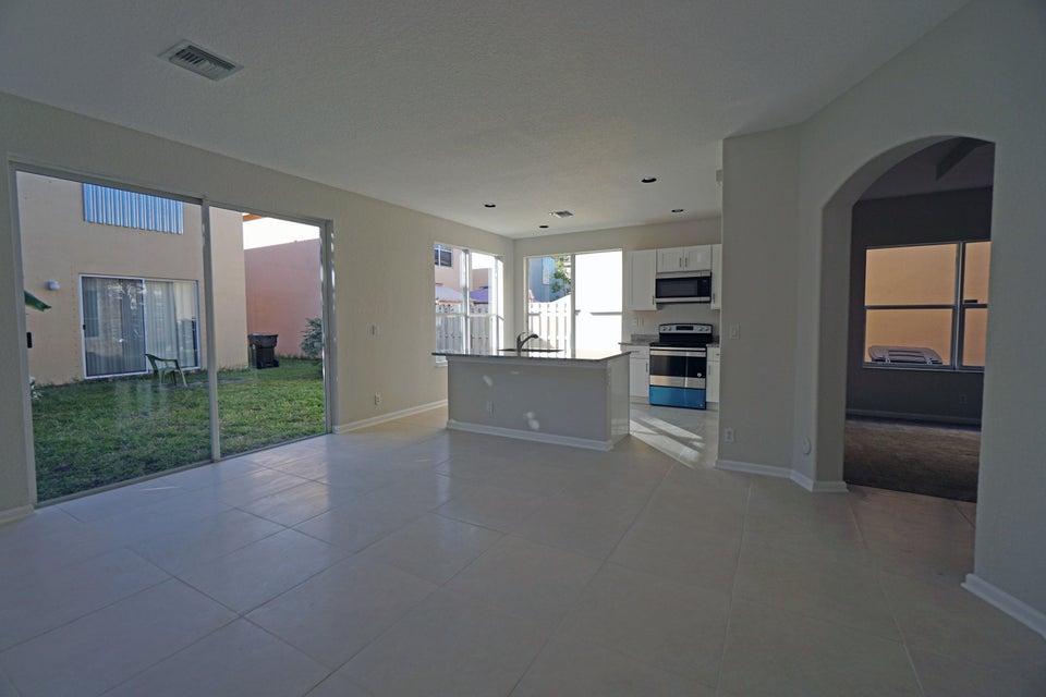 4164 Meade Way West Palm Beach, FL 33409 photo 3