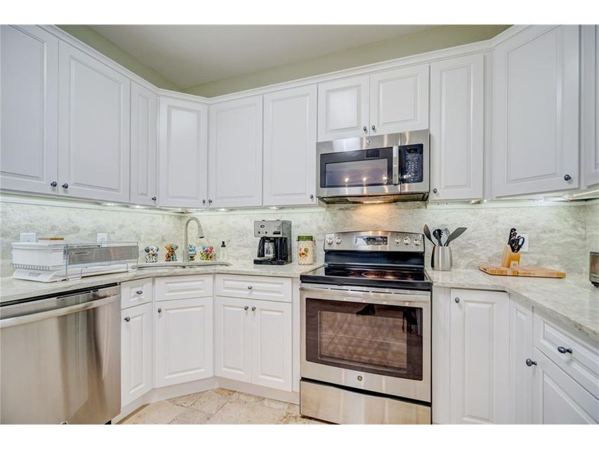 Additional photo for property listing at 2526 NW Seagrass Drive # 5 2526 NW Seagrass Drive # 5 Palm City, Florida 34990 United States