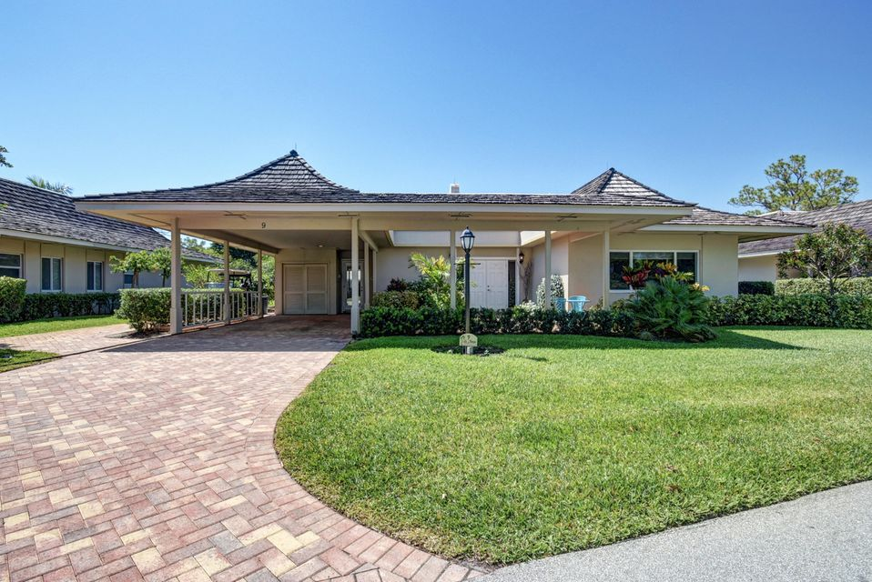 9 Bonsai Drive  Boynton Beach FL 33436