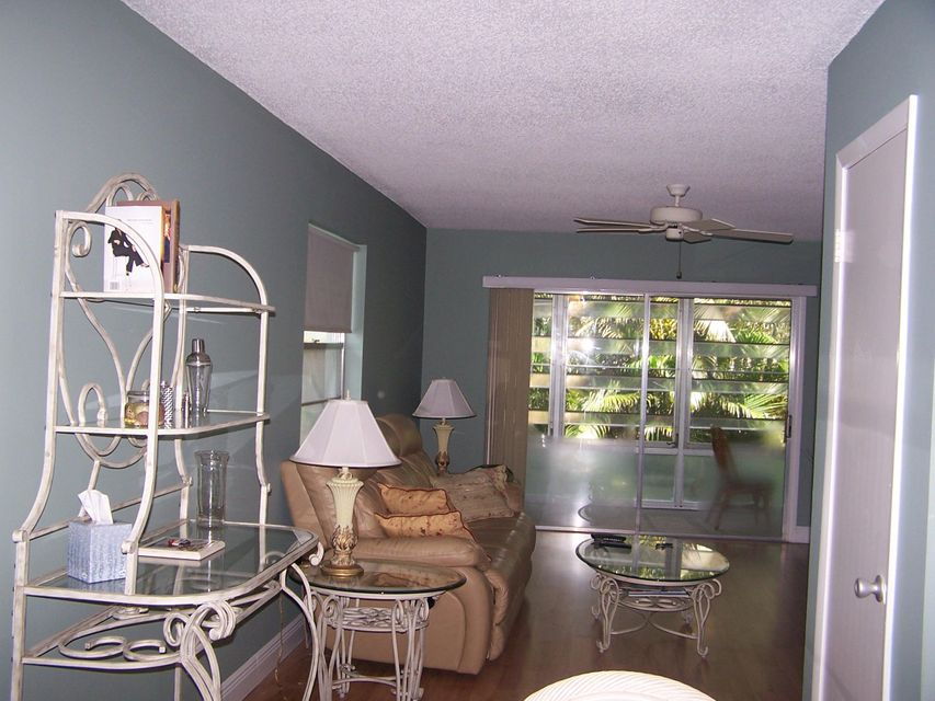 Additional photo for property listing at 2600 SE Ocean Boulevard # 15 2600 SE Ocean Boulevard # 15 Stuart, Florida 34996 United States