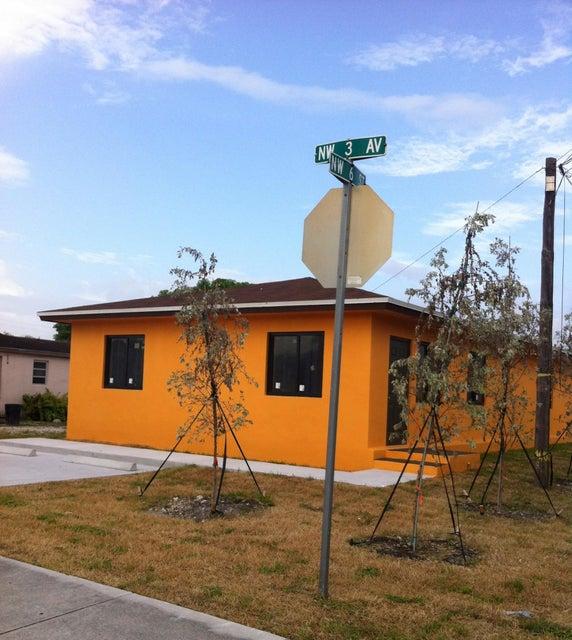 Dúplex por un Venta en 519 NW 3rd Avenue 519 NW 3rd Avenue Hallandale Beach, Florida 33009 Estados Unidos