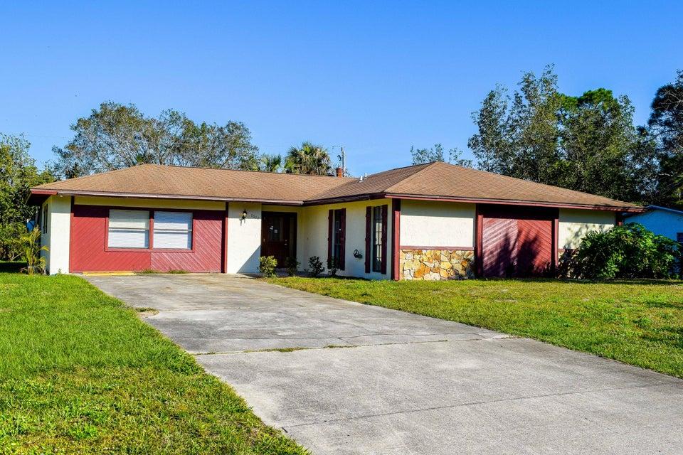 Casa para uma família para Venda às 7602 Santa Clara Boulevard 7602 Santa Clara Boulevard Fort Pierce, Florida 34951 Estados Unidos