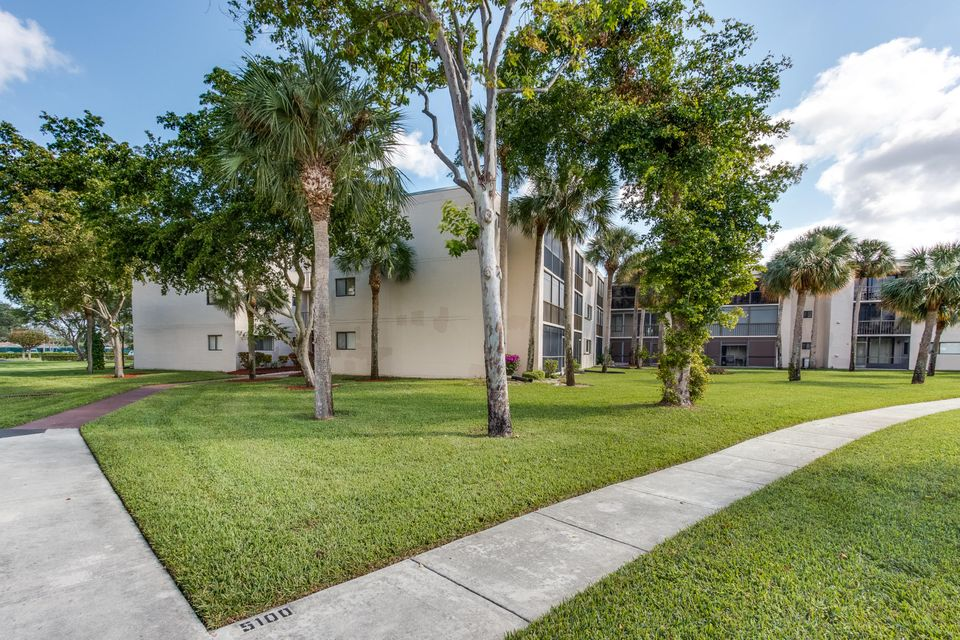 5100 Las Verdes Circle Delray Beach, FL 33484 - photo 22