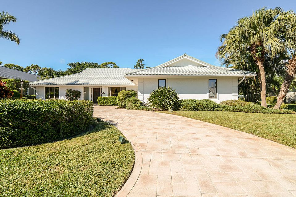 Single Family Home for Sale at 3371 SE Court Drive 3371 SE Court Drive Stuart, Florida 34997 United States