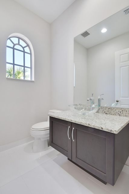 Additional photo for property listing at 139 Tierra Lane 139 Tierra Lane Jupiter, Florida 33477 États-Unis