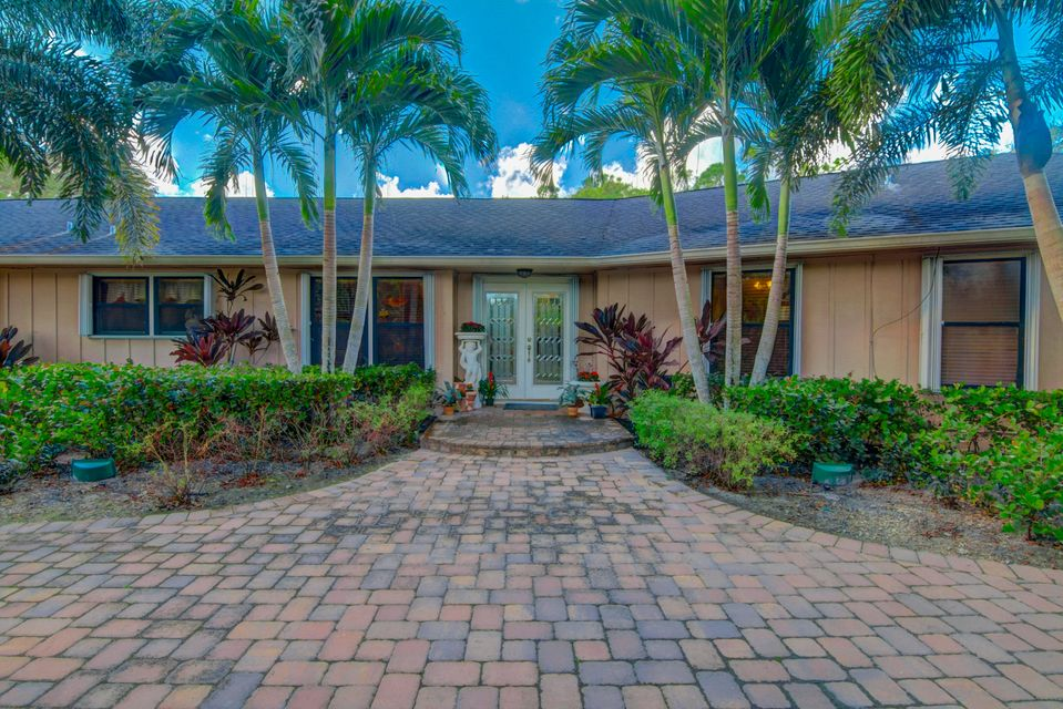 8515 Thousand Pines Circle  West Palm Beach, FL 33411