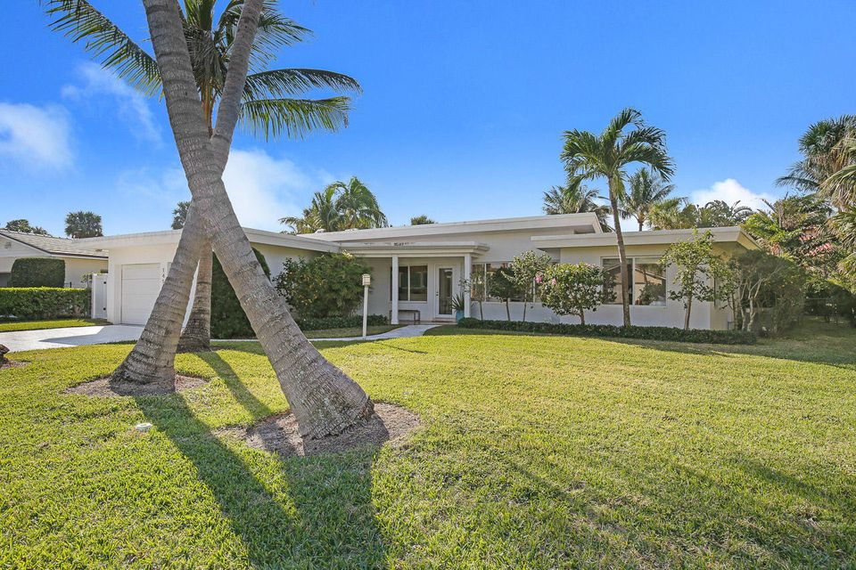 Rentals for Rent at 145 Beacon Lane 145 Beacon Lane Jupiter Inlet Colony, Florida 33469 United States