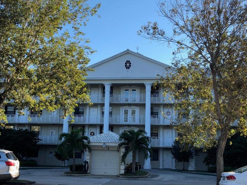 Co-op / Condo للـ Rent في 3511 Village Boulevard 3511 Village Boulevard West Palm Beach, Florida 33409 United States