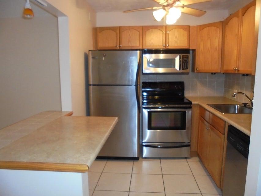 219Fanshaw F Boca Raton,Florida 33434,1 Bedroom Bedrooms,1 BathroomBathrooms,Condo/coop,CENTURY VILLAGE,Fanshaw F,RX-10390957,for Rent
