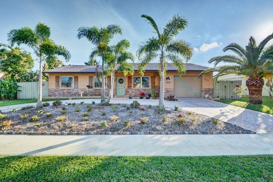 Home for sale in COUNTERPOINT ESTATES 1 Royal Palm Beach Florida