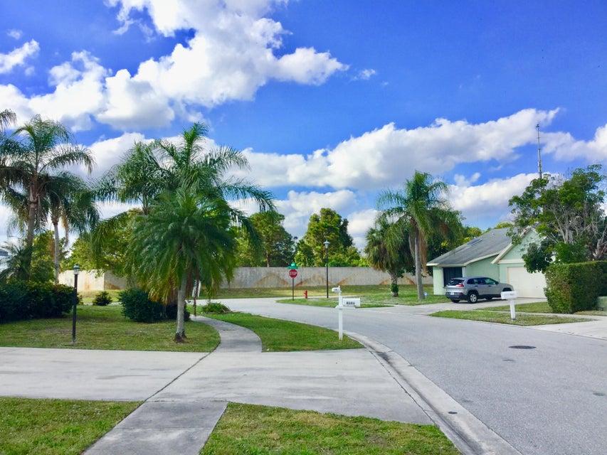 4872 Classic Lane West Palm Beach, FL 33417 photo 16