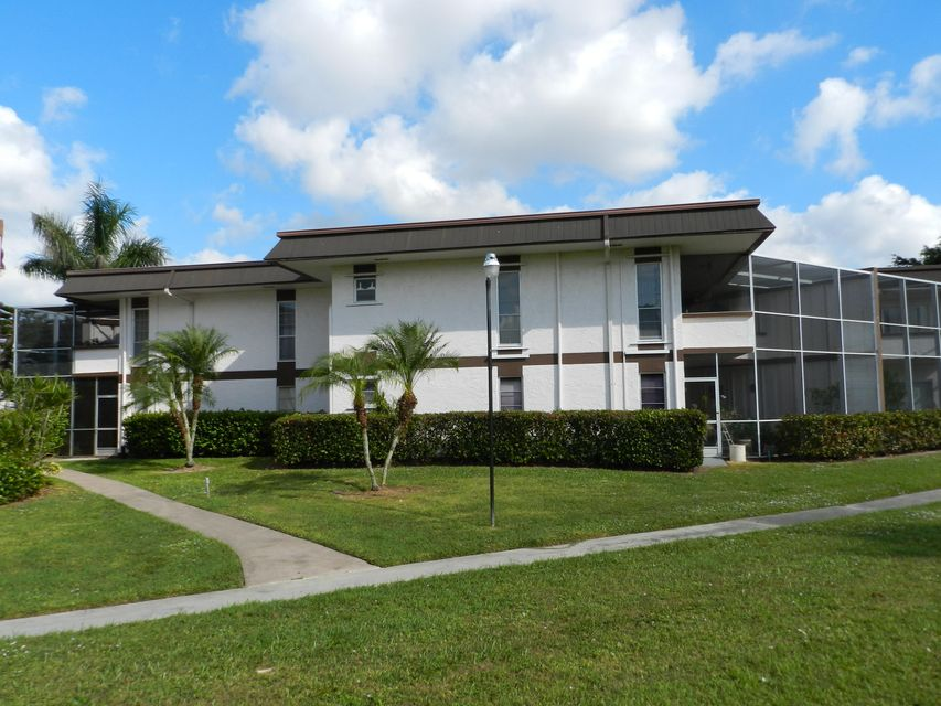 3 Greenway 206  Royal Palm Beach, FL 33411