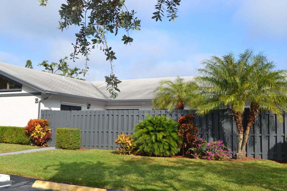 Home for sale in SUMMIT PINES UNIT 3 West Palm Beach Florida