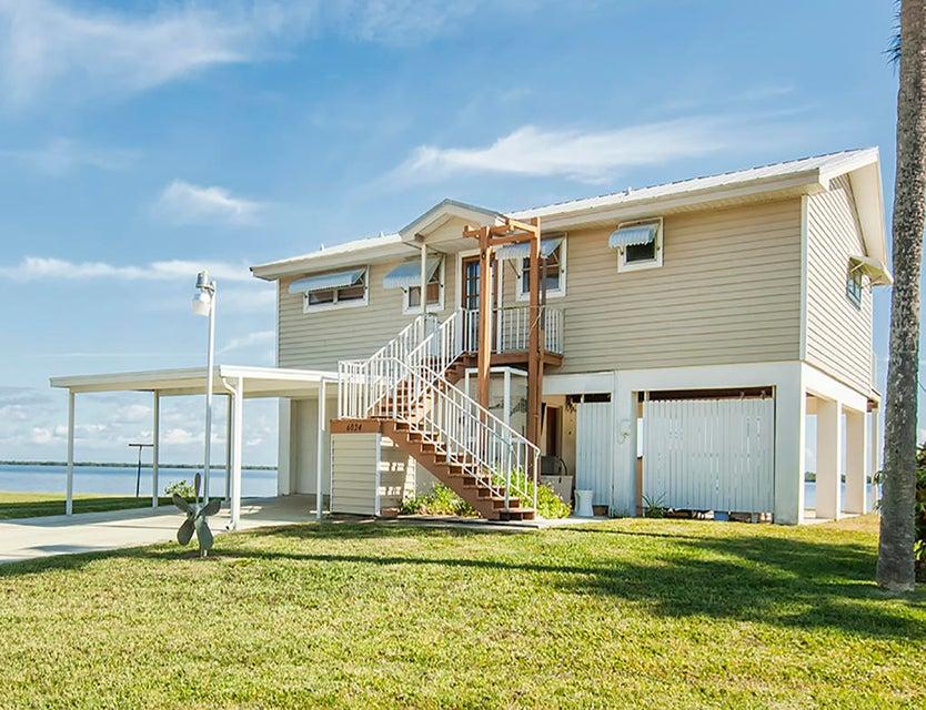 独户住宅 为 销售 在 6024 Island Harbor Road 6024 Island Harbor Road 塞巴斯蒂安, 佛罗里达州 32958 美国