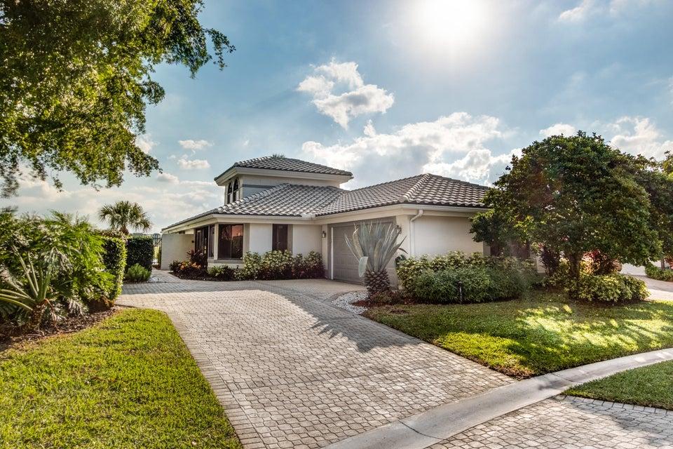 7556 Glendevon Lane Delray Beach, FL 33446