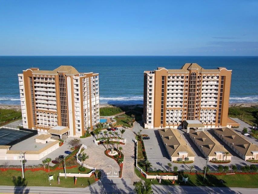 共管式独立产权公寓 为 销售 在 4160 N Highway A1a # 1002 A 哈钦森岛, 佛罗里达州 34949 美国