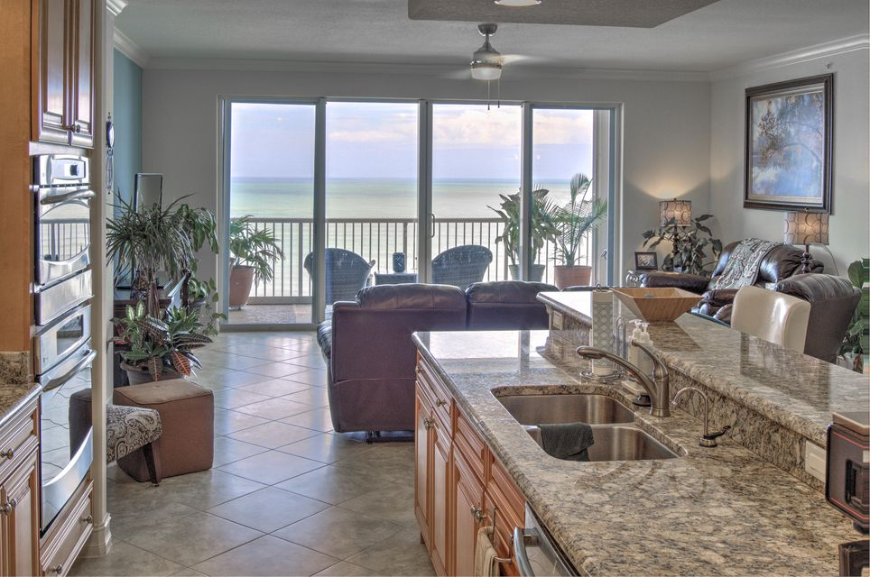 Additional photo for property listing at 4160 N Highway A1a  # 1002 A 4160 N Highway A1a  # 1002 A Hutchinson Island, Florida 34949 Estados Unidos