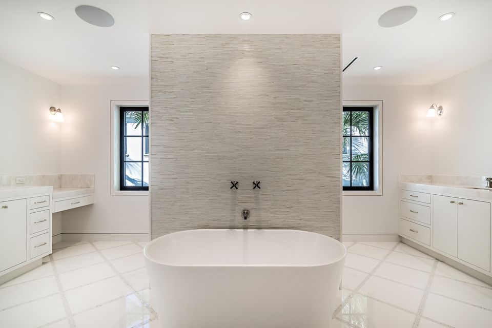 412  Brazilian Avenue , Palm Beach FL 33480 is listed for sale as MLS Listing RX-10380633 photo #17