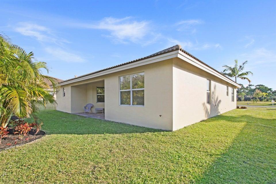 Additional photo for property listing at 443 NE Abaca Way 443 NE Abaca Way Jensen Beach, Florida 34957 Estados Unidos