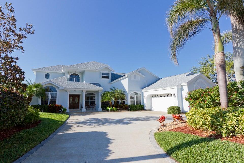 Single Family Home for Sale at 8 Cache Cay Drive 8 Cache Cay Drive Vero Beach, Florida 32963 United States