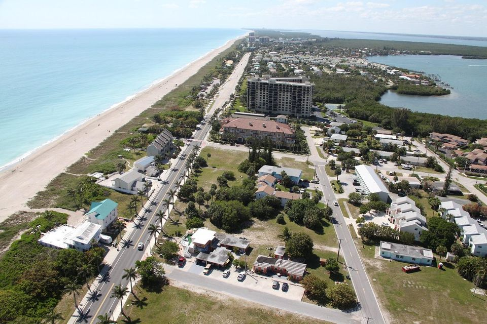 Additional photo for property listing at 601 S Ocean Drive 601 S Ocean Drive Hutchinson Island, Florida 34949 Estados Unidos