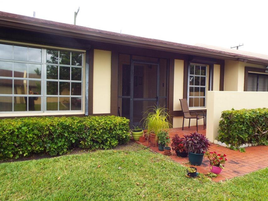 Villa for Sale at 5239 Copperleaf Circle 5239 Copperleaf Circle Delray Beach, Florida 33484 United States