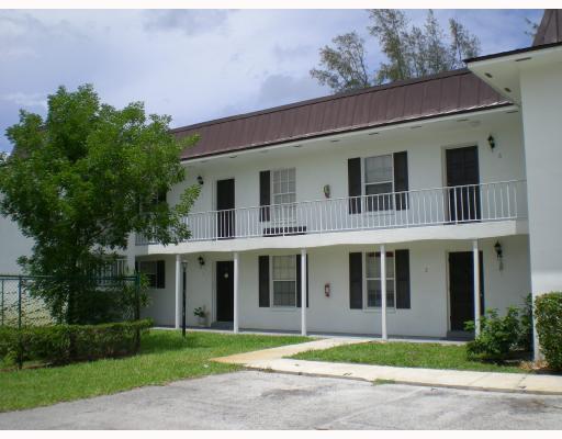 4931 Wedgewood Way 6  West Palm Beach, FL 33417