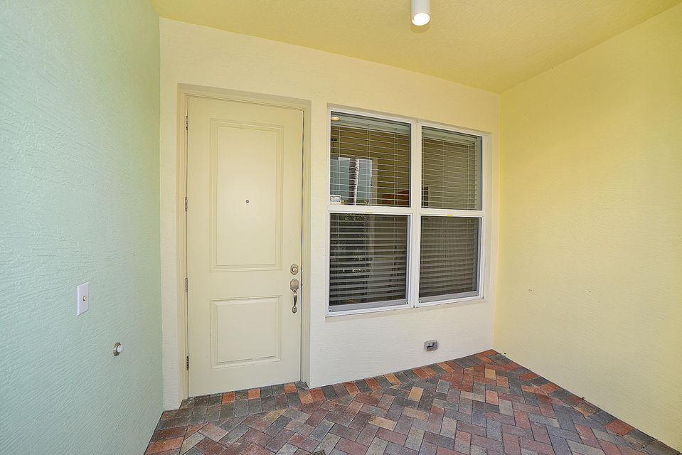Additional photo for property listing at 5035 NW 14th Way 5035 NW 14th Way Boca Raton, Florida 33431 Vereinigte Staaten