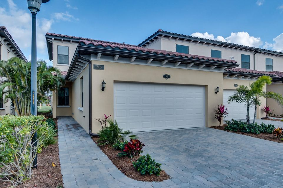 Casa unifamiliar adosada (Townhouse) por un Venta en 740 Lanai Circle # 101 740 Lanai Circle # 101 Indian Harbour Beach, Florida 32937 Estados Unidos