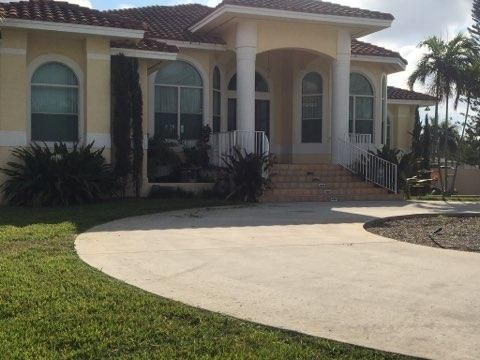 Single Family Home for Sale at 4190 SW 75 Circle 4190 SW 75 Circle Davie, Florida 33314 United States