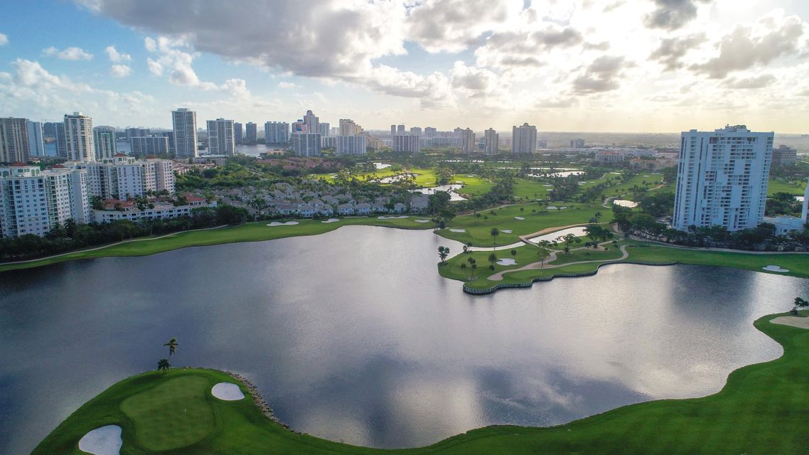 Condominium for Sale at 3675 N Country Club Drive # 1504 3675 N Country Club Drive # 1504 Aventura, Florida 33180 United States