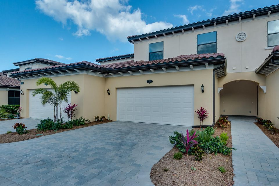 Casa unifamiliar adosada (Townhouse) por un Venta en 740 Lanai Circle # 102 740 Lanai Circle # 102 Indian Harbour Beach, Florida 32937 Estados Unidos