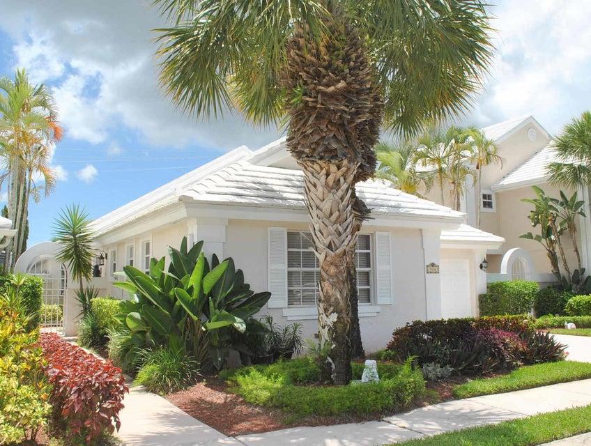 906 Dickens Place  West Palm Beach, FL 33411