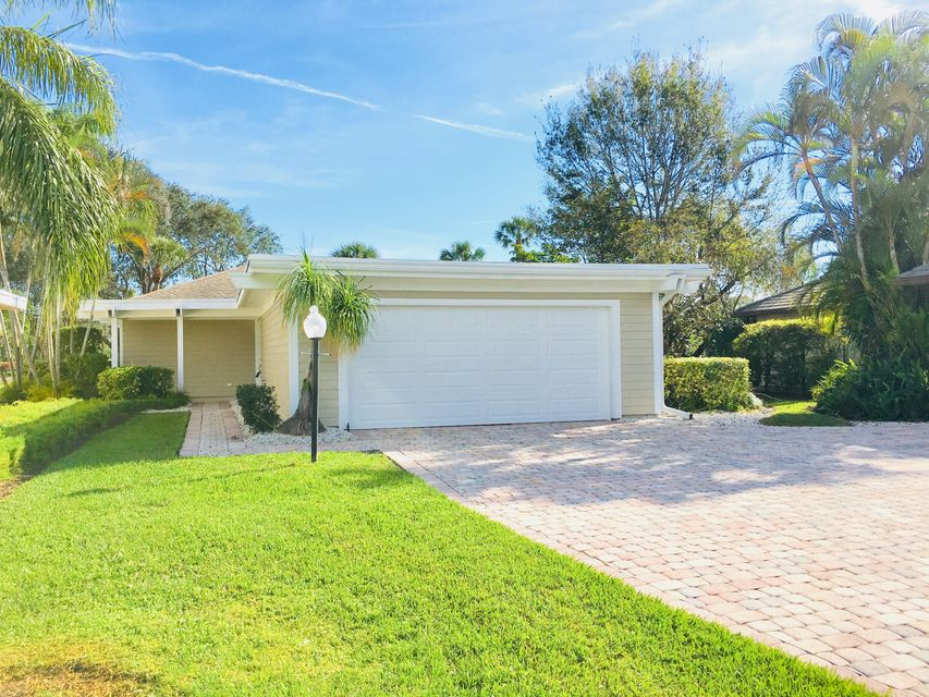 13934 Eastpointe Court , Palm Beach Gardens FL 33418 is listed for sale as MLS Listing RX-10386601 17 photos