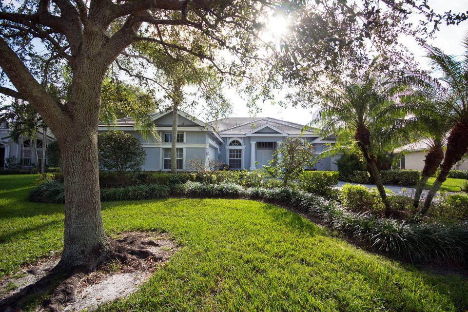Additional photo for property listing at 982 SW Blue Stem Way 982 SW Blue Stem Way Stuart, Florida 34997 United States